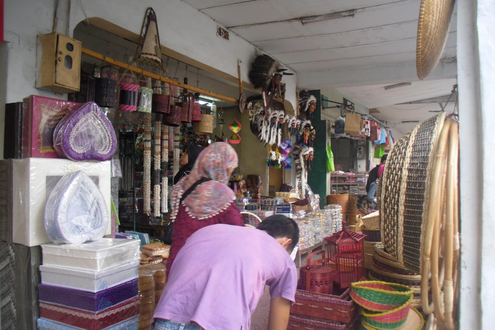 pusat belanja souvenir surabaya