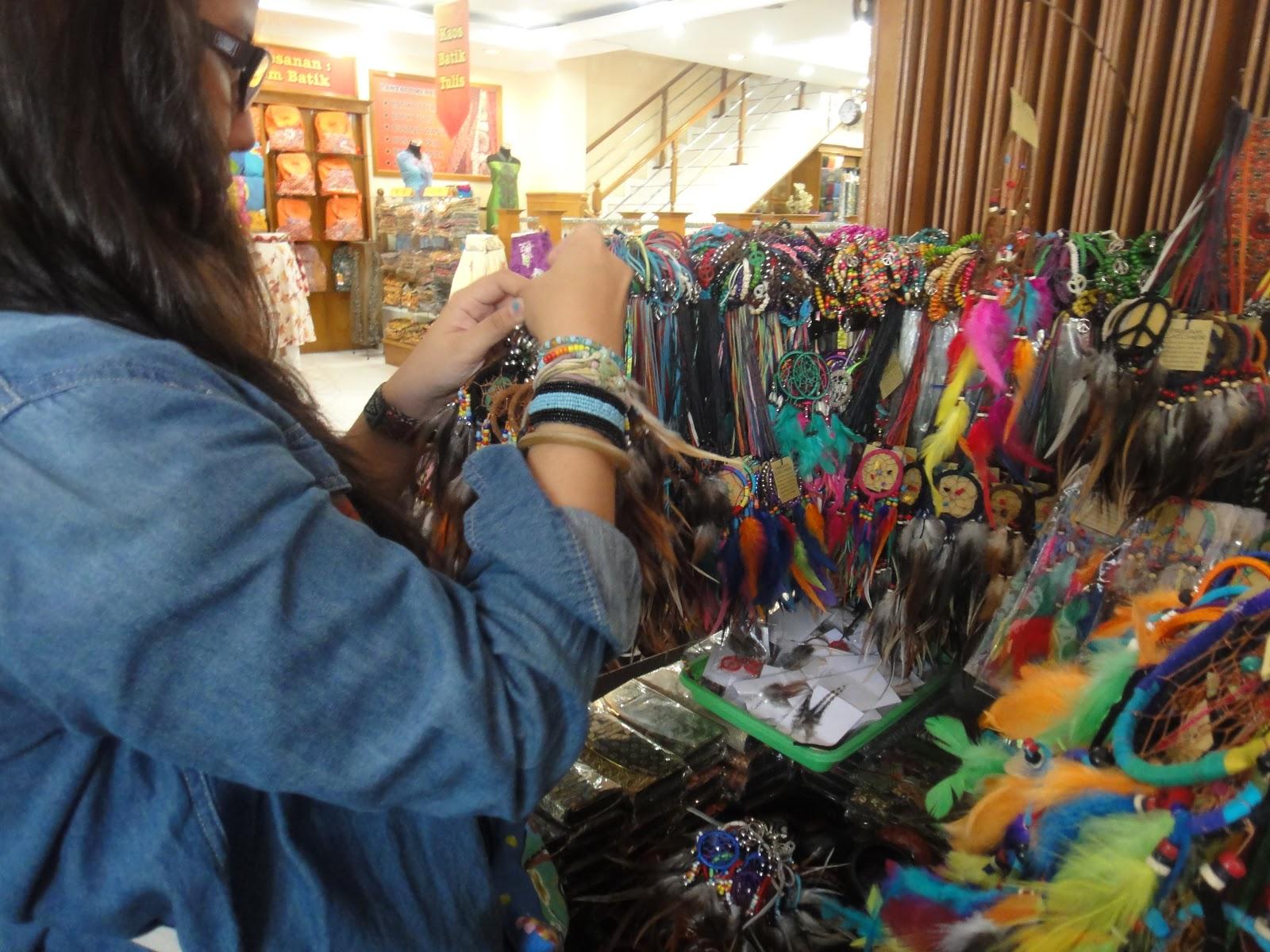 pusat penjualan souvenir